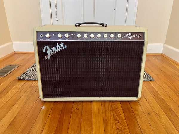 Fender Super Sonic 22 1 x 12 Combo | Blonde w/ Oxblood, 4-Button Footswitch, Fender Cover