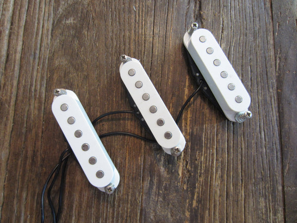 Squier Stratocaster Pickup Set | White, RWRP, Screws, Springs, Long Leads
