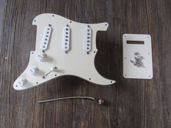 Upgraded 2004 Fender Standard Series Stratocaster Loaded Pickguard | Parchment w/ White