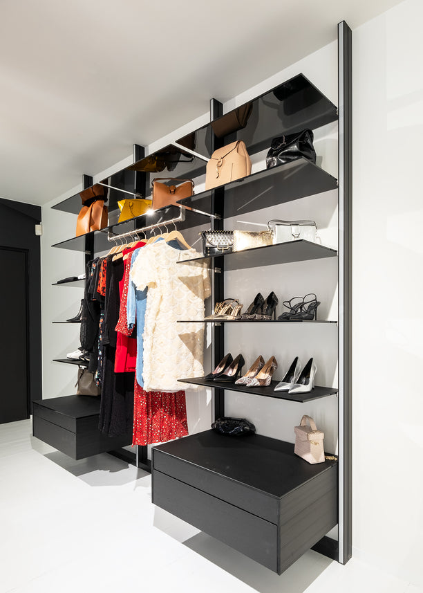 Dress Wall walk-in closet system