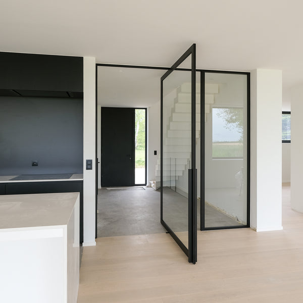 Portapivot 5730 with optional door jambs and a fixed partition