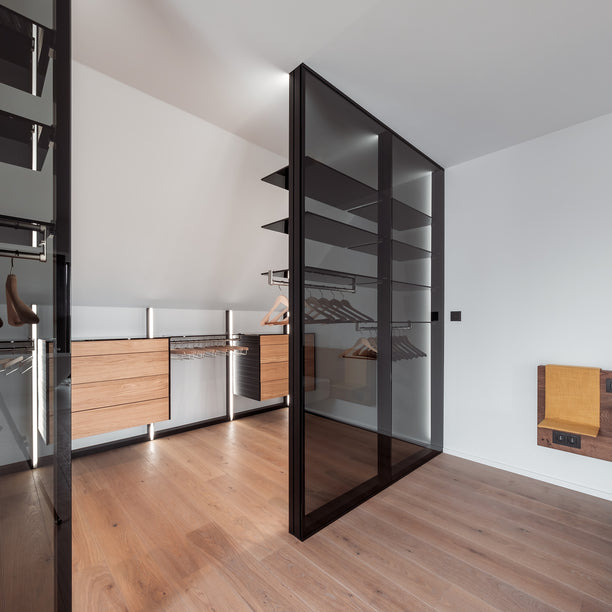 walk-in closet made from aluminium and glass