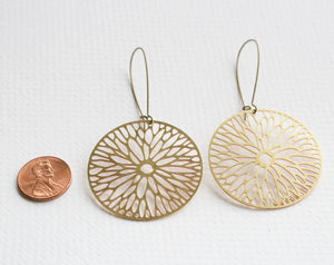 A Tea Leaf jewelry - Firewheel Flower Blossom Earrings | Gold Plated