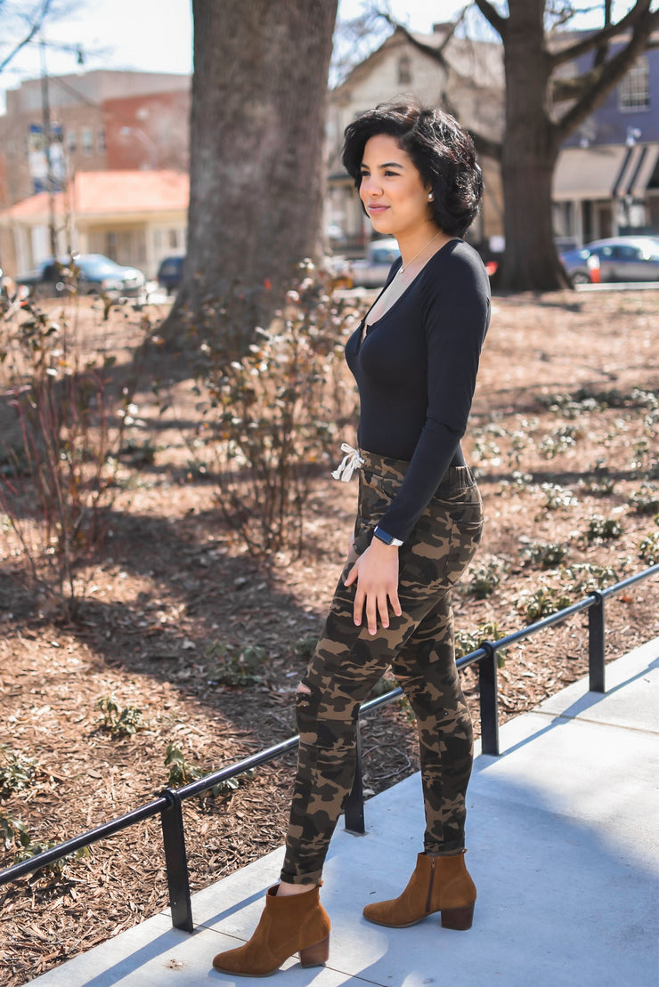 Carefree Camo Jogger Jeans