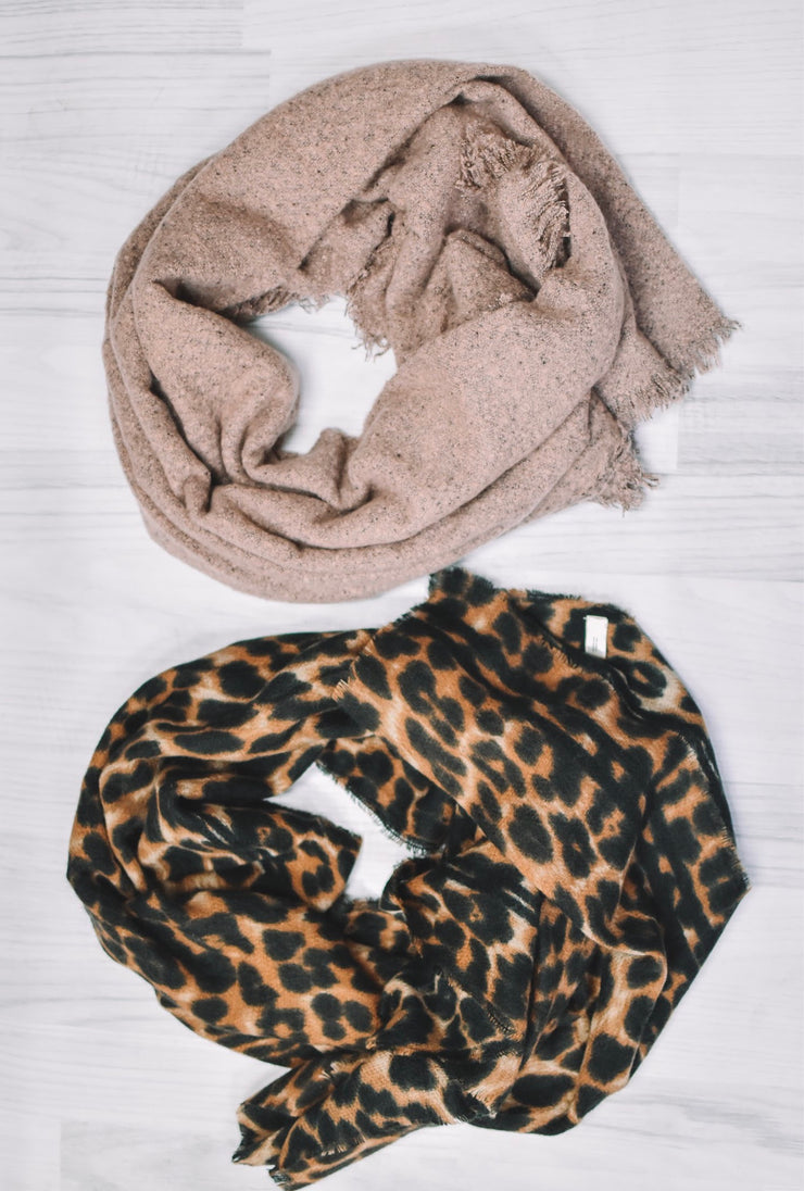 Comfy Blanket Scarves (2 Colors)