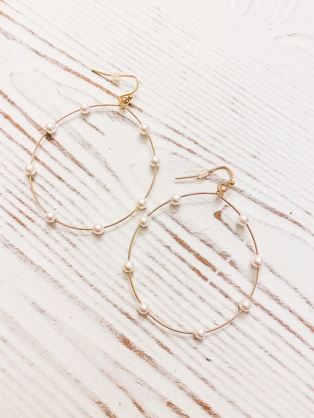 Pretty Pearl Hoop Earrings - Gold