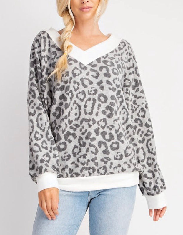 V-Neck Contrast Cashmere Feel Top