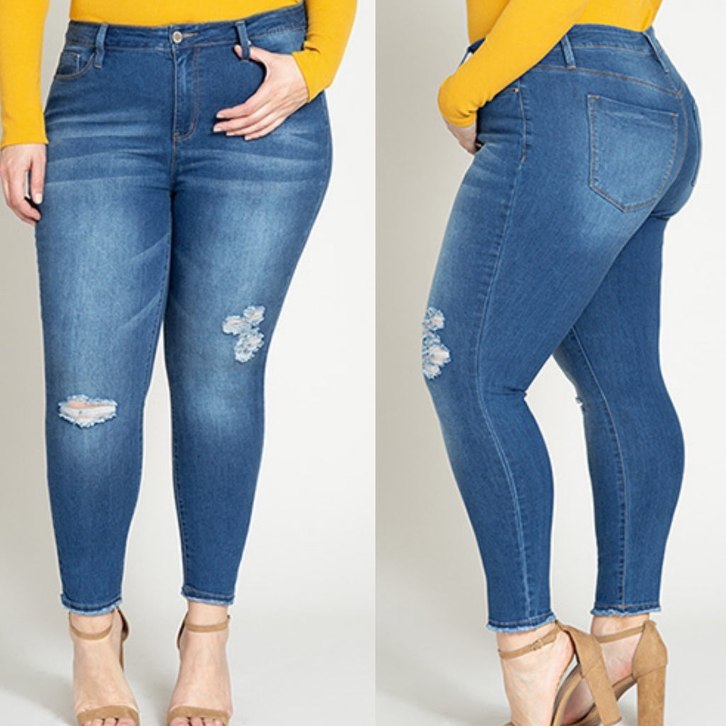 Curvy - YMI Distressed Ankle Jeans