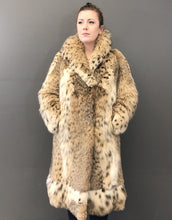 Load image into Gallery viewer, Vintage Lynx cat coat