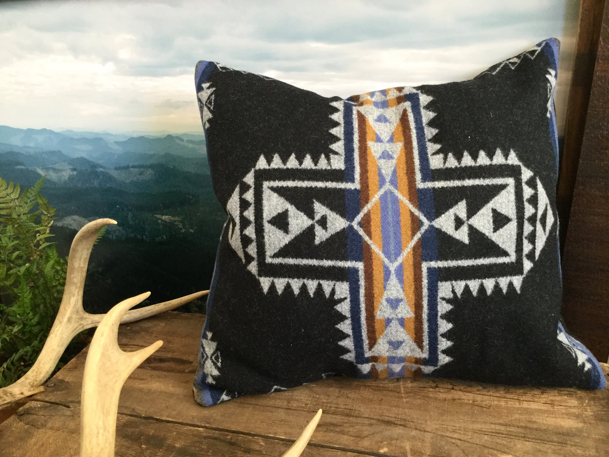 Western Cross Pillow Cover in Pendleton Wool