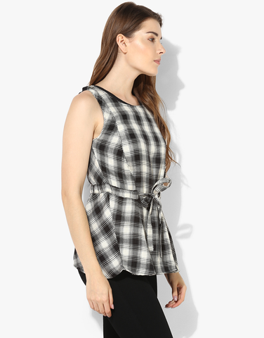 Sleeveless Parker Jacket