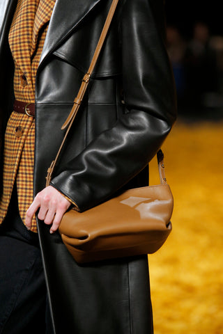 Envelope-Pleat-Crossbody-Bag-in-Caramel-Leather