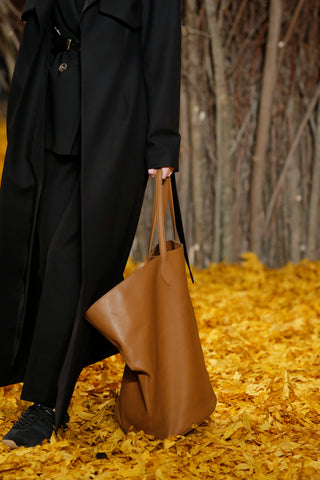 large-circle-tote-in-caramel-leather