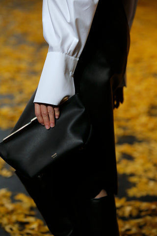 Envelope-Pleat-Clutch-in-Black-Leather