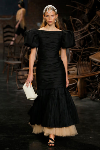 the-shelly-dress-in-black