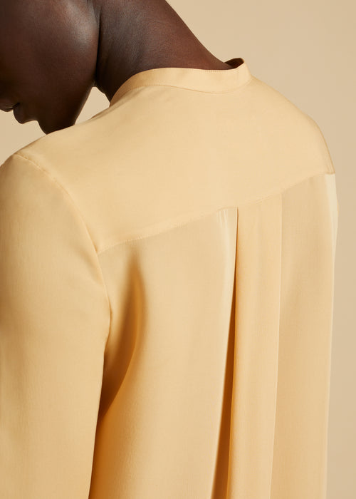 The Keith Top in Beige
