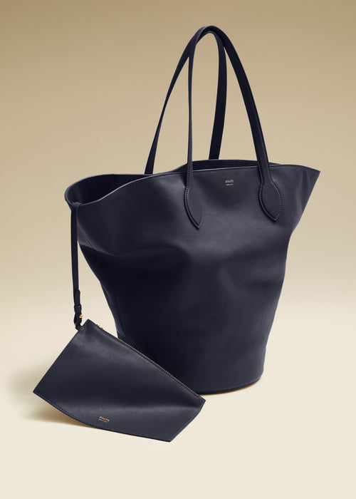 The Medium Osa Tote in Navy Leather