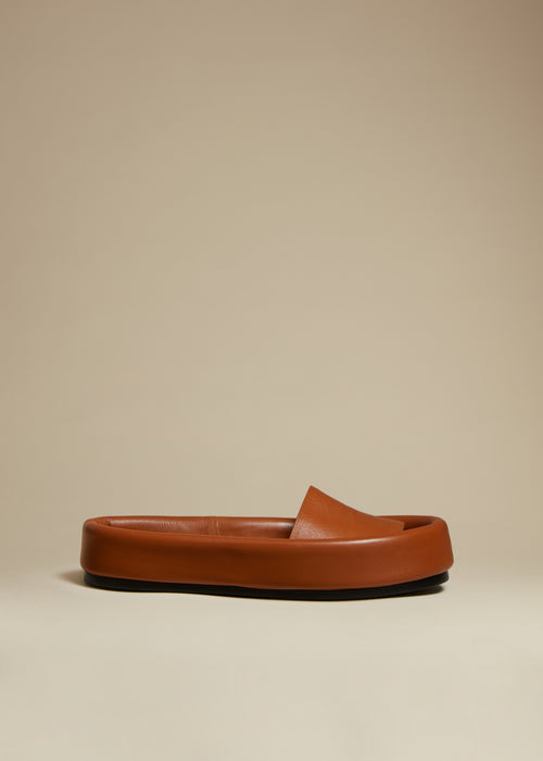 The Venice Sandal in Caramel Leather