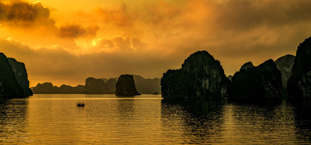 Vietnam Sunset - Peter Levshin