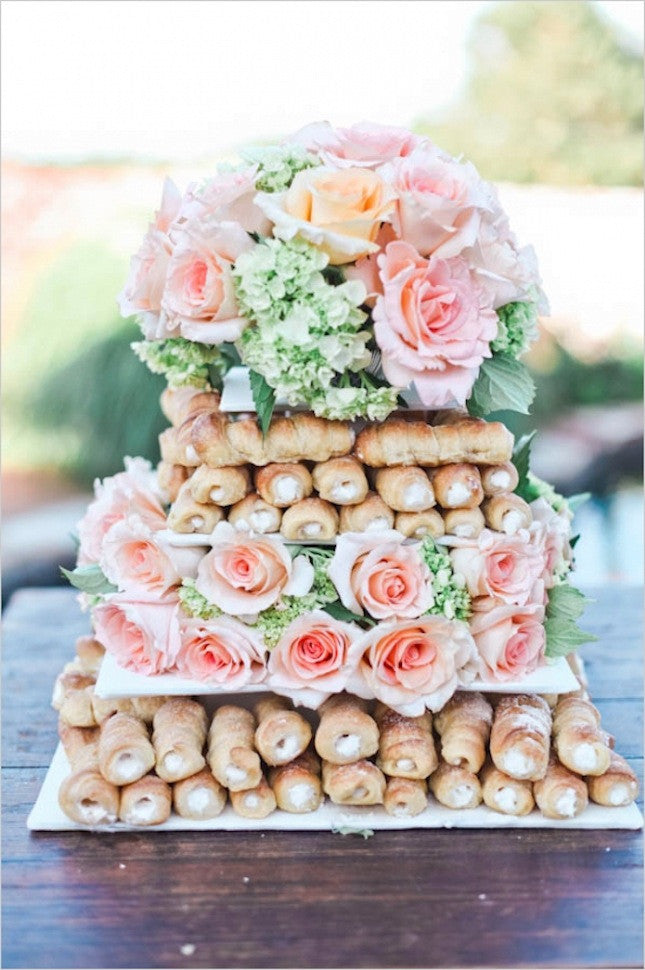 cannoli wedding cake