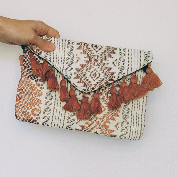 Guatemala Tan & White Clutch