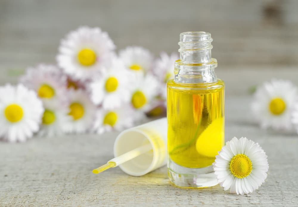 5 Benefits of Using Nail Oil
