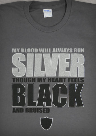 Black and Bruised (Oakland Raiders) – Men's Charcoal Gray T-shirt