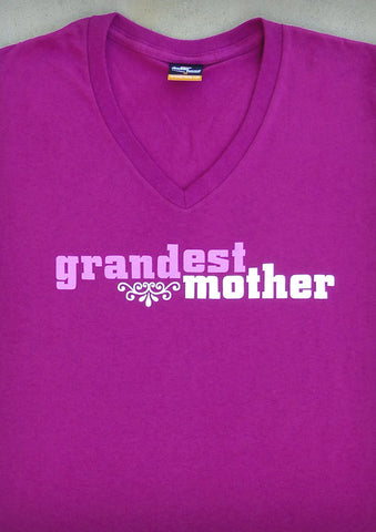 Grandest Mother – Women's Raspberry V-neck T-shirt