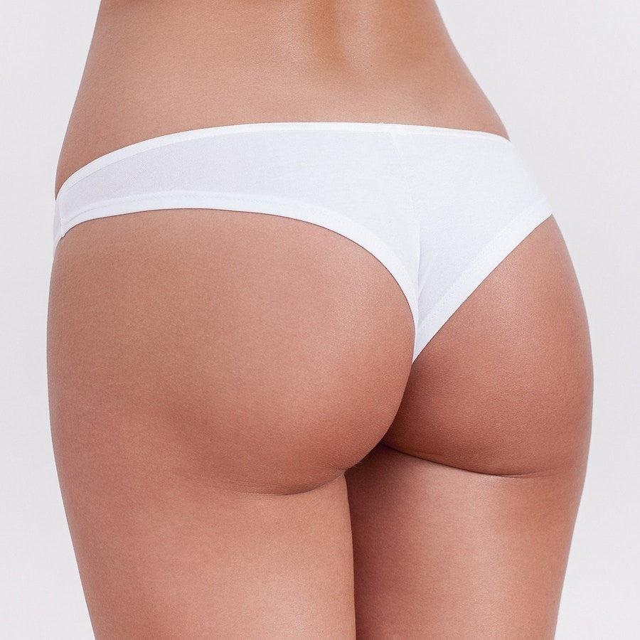 These white or black women's brazilian briefs are suitable and comfortable for a daily use due to the combination of cotton and lycra. Material: 80%CO, 20%EA.