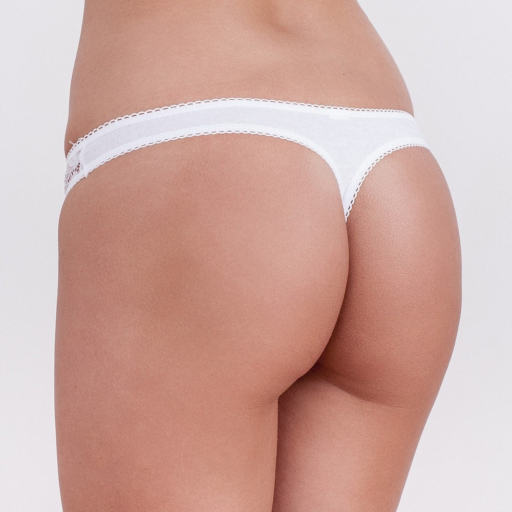 Lace Thongs Aida. White or black women's lingerie thongs with a lace design on both lateral sides and cotton at the front and back aspects.