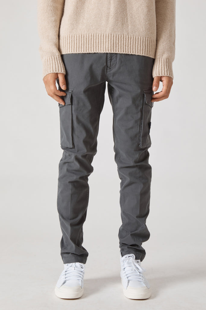 30810 STRETCH GABARDINE GARMENT DYED CARGO PANTS - FUMO
