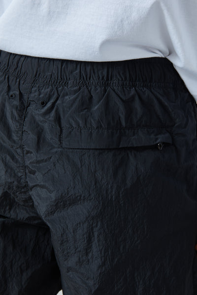 B0943 NYLON METAL GARMENT DYED SHORTS - BLACK