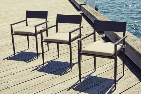 Shown in Aluminum Asteroid Finish, Taupe strapping and Sunbrella Taupe fabric