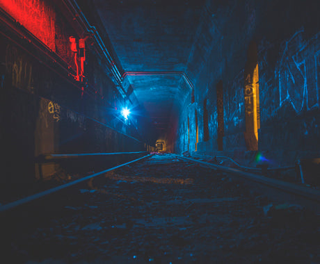 PHOTO SET :: NYC UNDERGROUND'S ABANDONED TRAIN TRACKS
