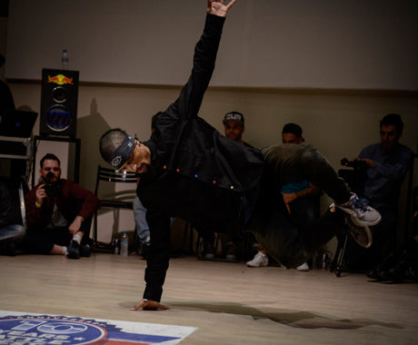 WHAT A B-BOY COMPETITION LOOKS LIKE IN GREECE