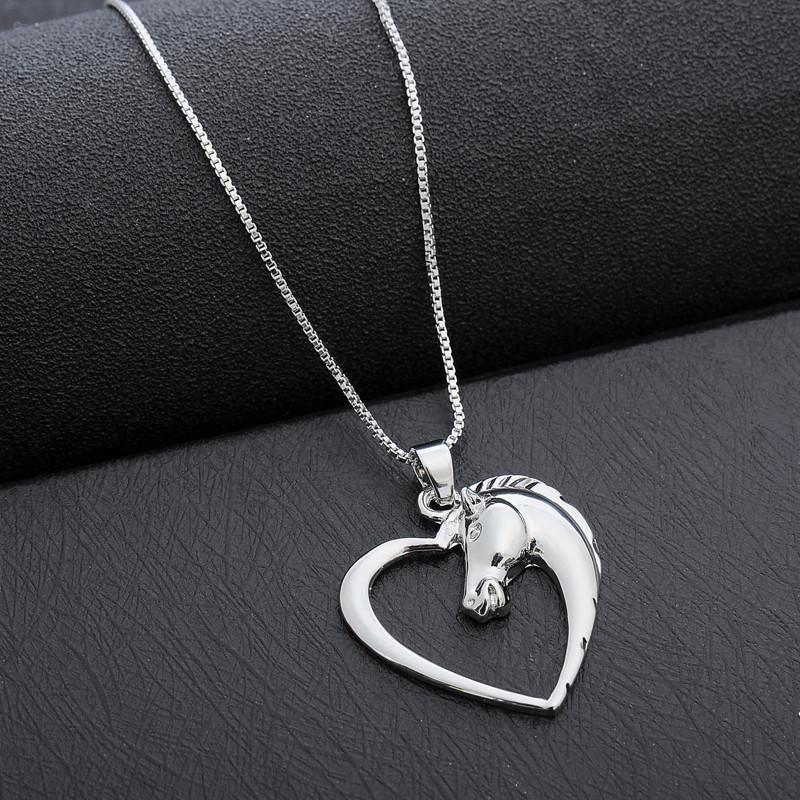 e-millenialstore Horse in Heart Necklace
