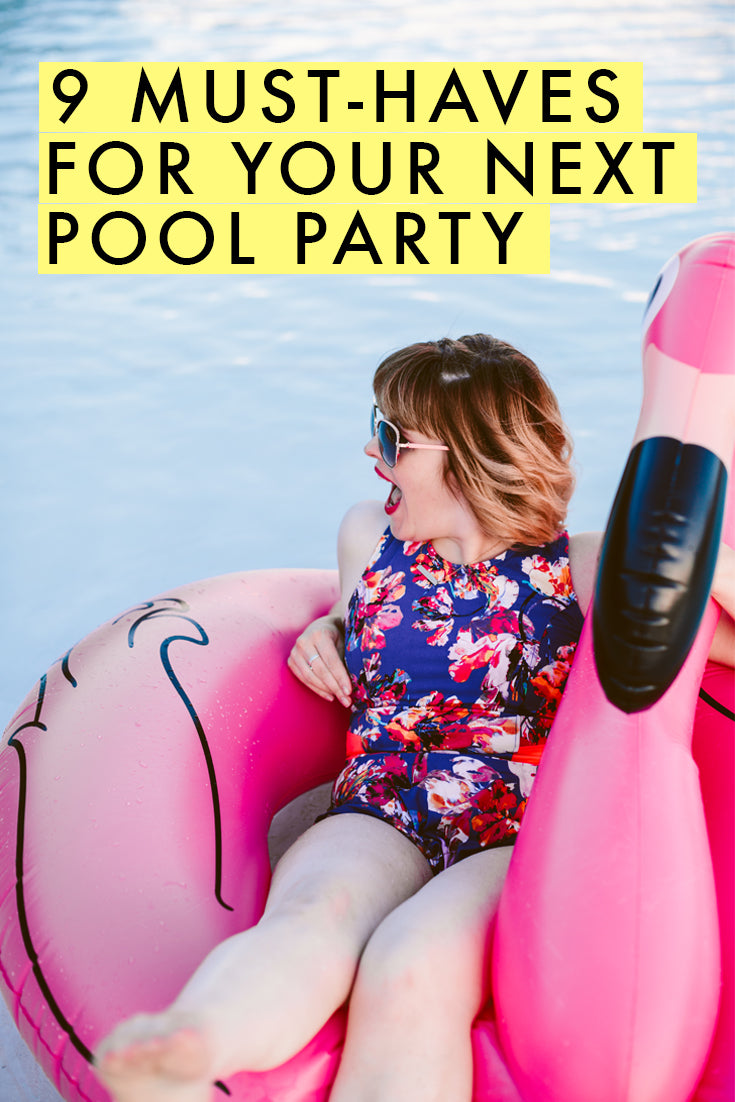 9 must-haves for your next pool party! So fun!