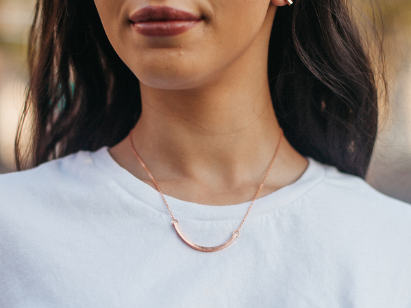 Minimal Curved Bar Necklace | BARE