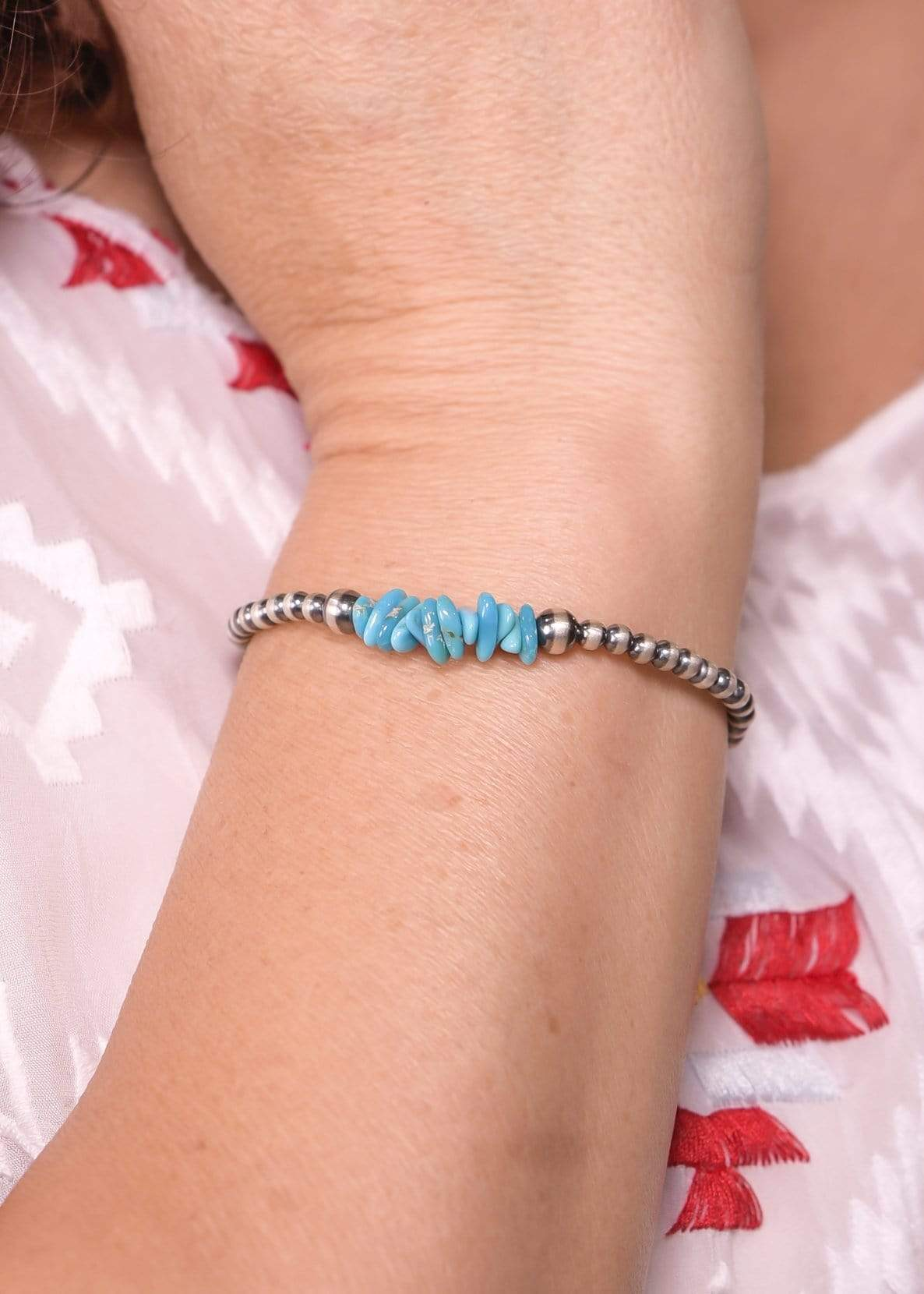 4mm Navajo Pearl Bracelet with Turquoise Detailing
