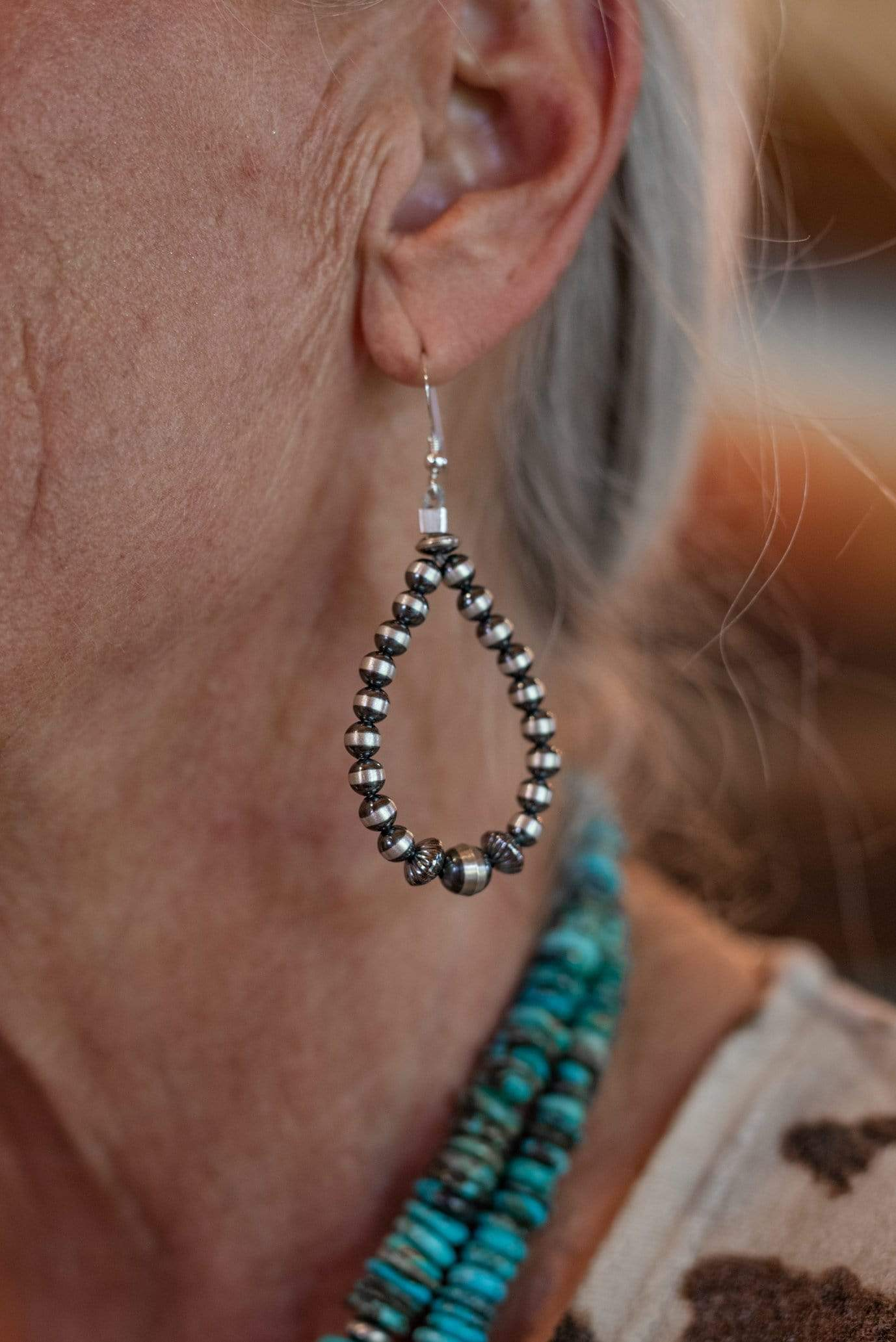RESTOCK Navajo Pearl Teardrop Earrings with Varied Beads