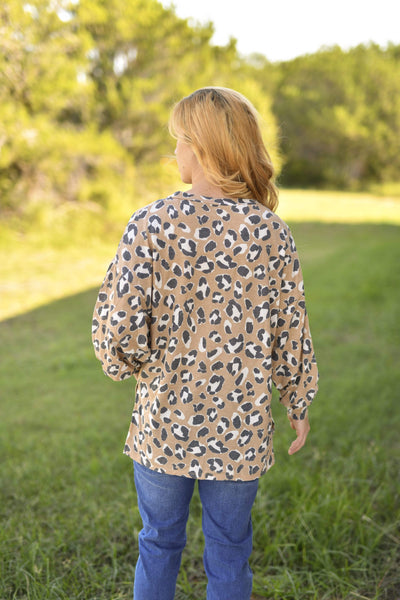 Entro Casual Lolla Leopard V Neck Top