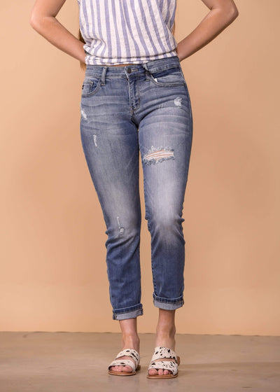 Judy Blue Capris Boyfriend Fit Destroyed - Medium Wash