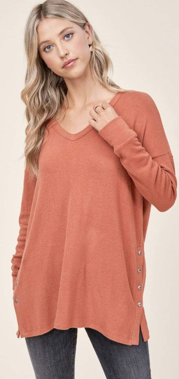 V-Neck Side Button Hacci Top - Rust