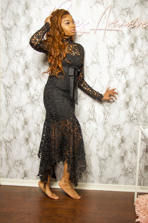 Load image into Gallery viewer, Black Widow | Lace Maxi Dress