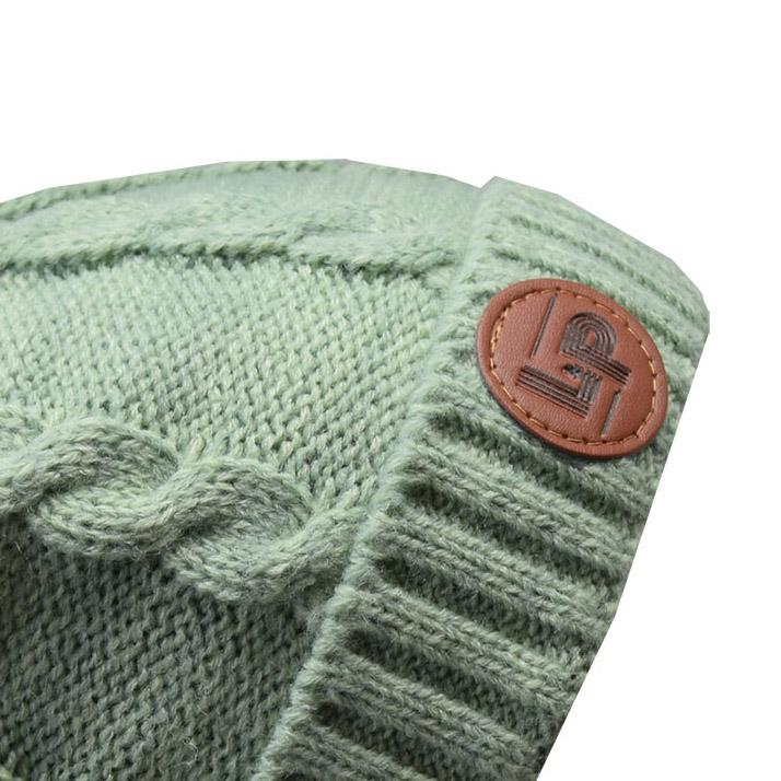 Bobble knitted hat (Alpine) - Vintage Green
