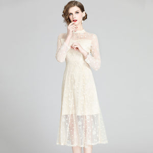 Poppy Lace Dress (Non-Returnable)