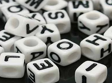Acrylic SINGLE LETTER A-Z White Cube ALPHABET BEADS 7mm Choose 50,100, 200, 500 - Things4craft.co.uk - 2