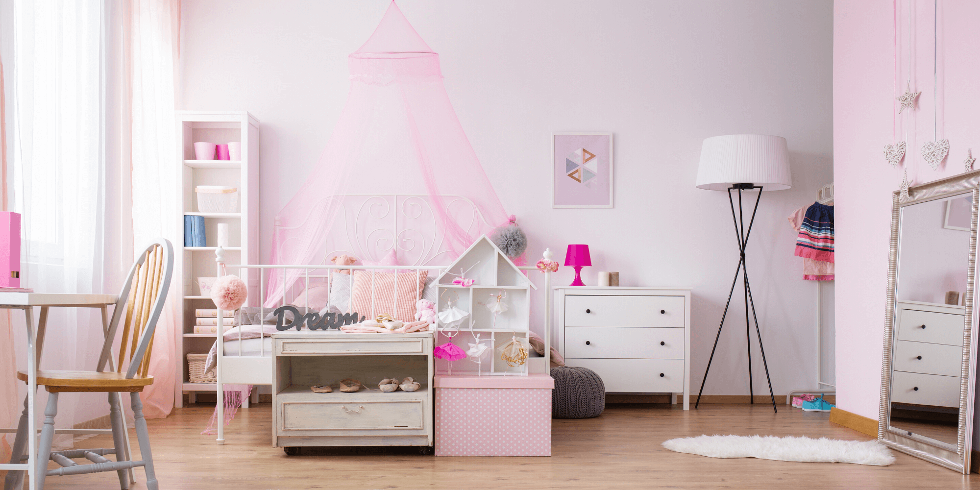 Girls bedroom decorated in pink