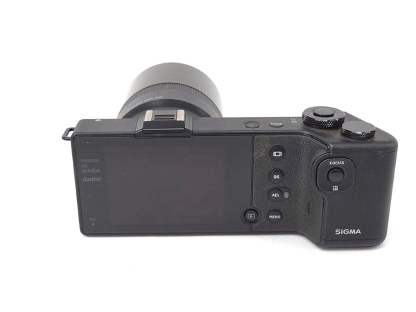 Used Sigma DP0 Quattro with LVF-01 LCD Viewfinder Kit