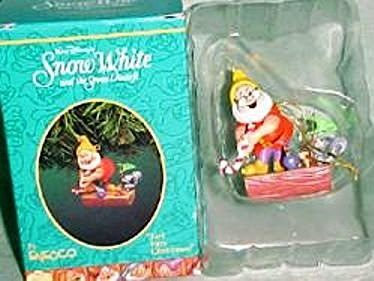 Enesco Enesco Treasury of Christmas Ornaments Snow White - Just Fore Christmas 1995 - DimpzBazaar.com